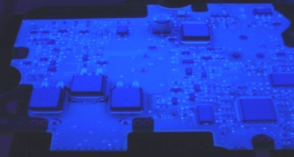 Select-Flood-Beschichtung als Conformal Coating